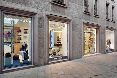 Longchamp inaugura su primera tienda en Italia