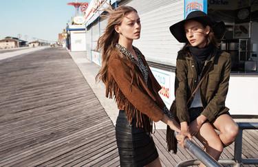 Mango sabe cómo hacer irresistible su nueva moda para la primavera: los looks que vestirán la calle