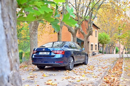 Skoda Superb 2 0 Tdi 150 L K 065