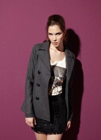 Bershka Otoño-Invierno 2010/2011: abrigo corto