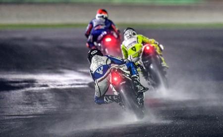 Los pilotos de MotoGP han probado Losail con la pista mojada, y así valoran la opción de correr con lluvia