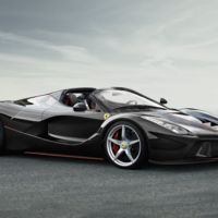 ¿No me vendes un Ferrari LaFerrari Aperta? Vale, entonces te demando