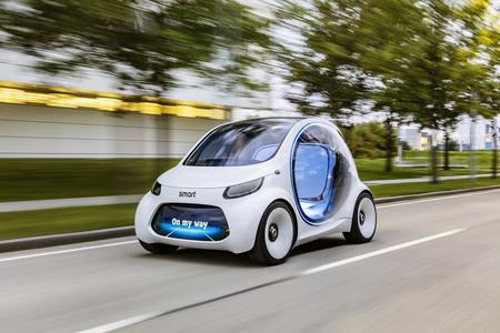El Car2go autónomo del futuro se llama smart vision EQ fortwo y te recoge allá donde estés