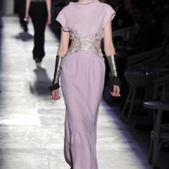 Foto 36 de 61 de la galería chanel-alta-costura-otono-invierno-2012-2013-rosa-gris-brillos-y-nuevo-vintage en Trendencias