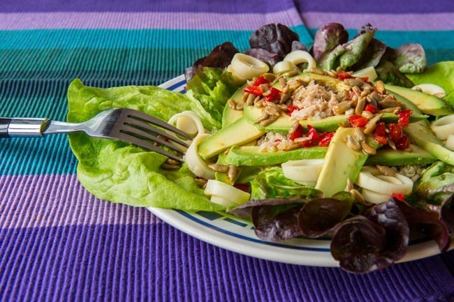 ensalada de quinua atun palmitos y aguacate