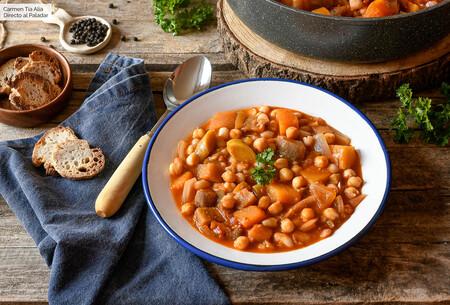 Estofado de verduras y legumbres, la receta ideal para celebrar el Día Mundial del Veganismo