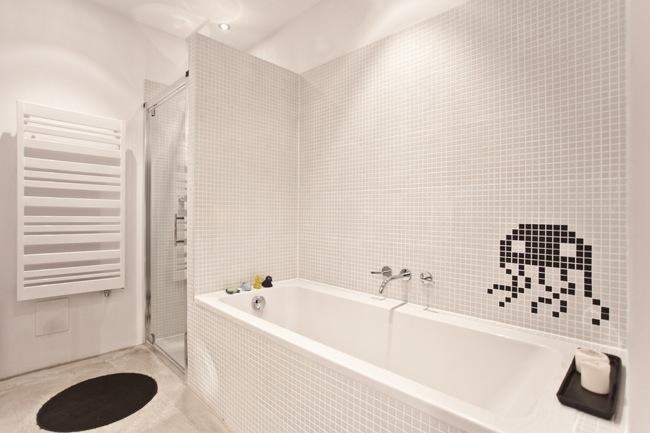 baño space invaders 1