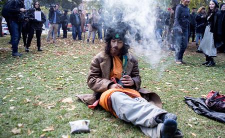 Corea del Sur advierte a sus ciudadanos: si fumáis marihuana en Canadá os arrestaremos en casa