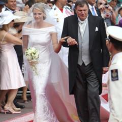 Foto 8 de 19 de la galería todas-las-imagenes-del-vestido-de-novia-de-charlene-wittstock-en-su-boda-con-alberto-de-monaco en Trendencias