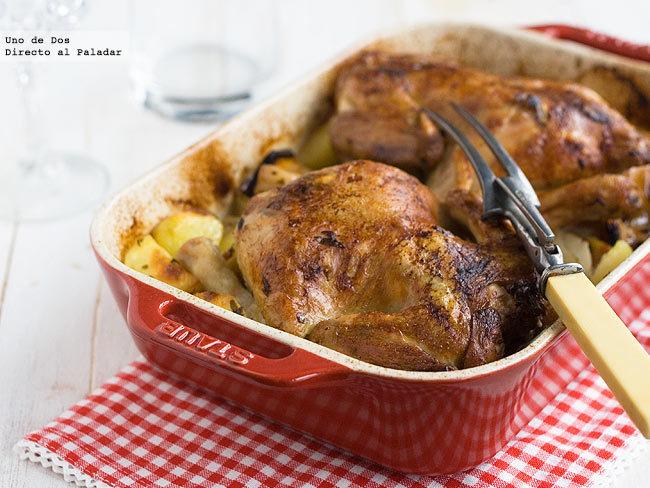 Receta de pollo asado con patatas adobadas