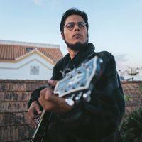 David Sainz estrena formato en Playz y convierte a Julio Iglesias en trapero