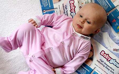 Babyglow: ropa que cambia de color si el bebé tiene fiebre