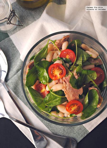 ensalada de berros con alubias, tomates y atún