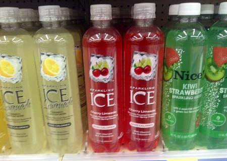 ¿Qué tan saludables son las aguas minerales de sabores?