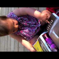 ¿iPad roto o sólo un bebé jugando con una revista?
