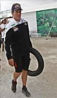 Marc Coma penalizado con seis horas por un cambio de neumáticos ilegal