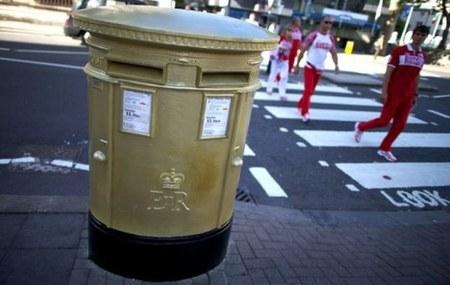 Los buzones de los héroes olímpicos del Reino Unido se quedarán dorados