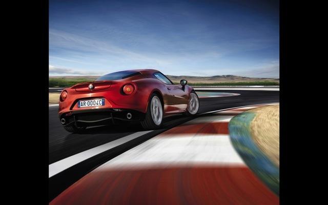 Foto de Alfa Romeo 4C llegará a México en 2014 (20/21)