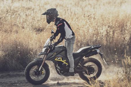 La MITT TK 125 se renueva con aires más trail: una moto sin carnet con 10 CV, por 2.695 euros