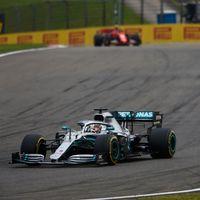 Mercedes, a  por el mejor arranque de la historia de la Fórmula 1 en Bakú y Ferrari necesitará un milagro