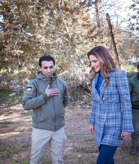 La realeza también viste de Off-White y Rania de Jordania nos lo demuestra