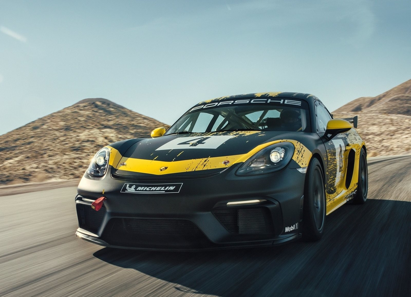 Porsche 718 Cayman GT4 Competition