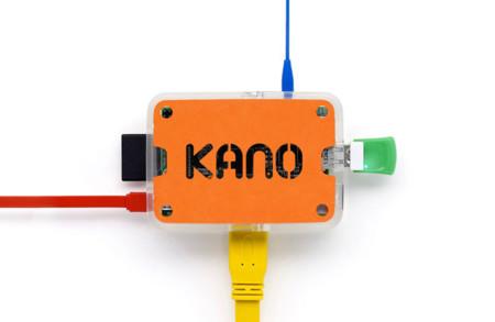 Kano es un pequeño y sencillo 'ordenador' para tus primeros pinitos en la informática