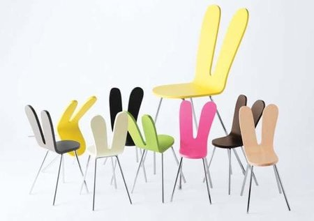 Sanaa, silla con respaldo inspirado en las orejas de un conejo