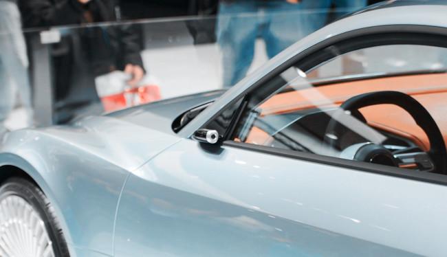 En Japón están dando los primeros pasos para cambiar espejos por retrovisores digitales