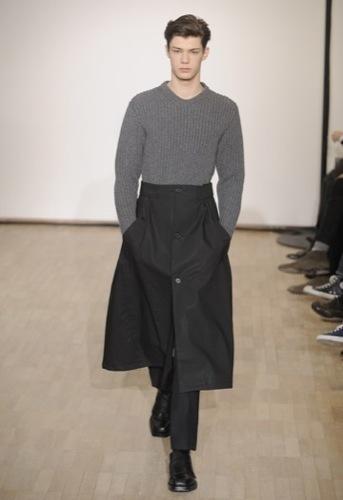 Raf Simons, Otoño-Invierno 2010/2011 en la Semana de la Moda de París. Faldas