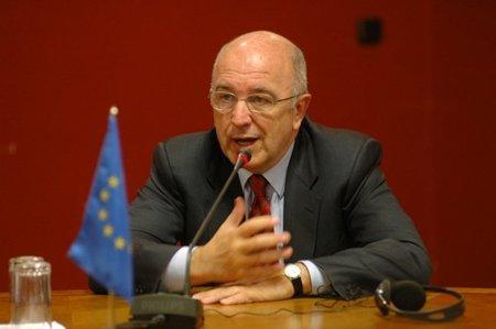 Almunia altera la agenda de Neelie Kroes sobre Neutralidad