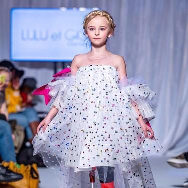 Ella es Daisy-May Demetre, la modelo infantil doblemente amputada que desfilará en la Semana de la moda de Nueva York