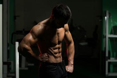 Fortalece tu torso y marca pectorales con los siguientes ejercicios
