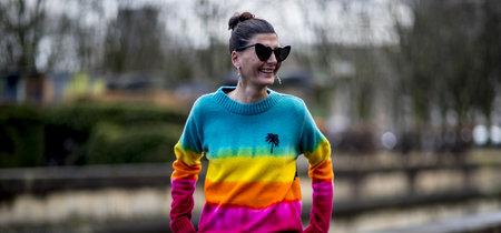 Las rayas multicolor se convierten en la tendencia más cool del street style