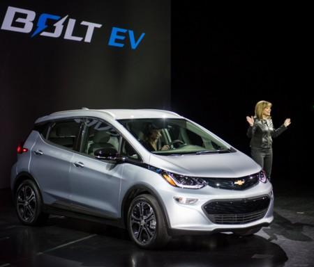 General Motors dice que tiene capacidad para afrontar 50.000 entregas del Chevrolet Bolt en 2017