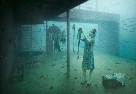El fotógrafo Andreas Franke expone su obra en un buque de guerra hundido
