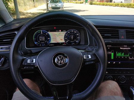 Vista interior del Volkswagen e-Golf.