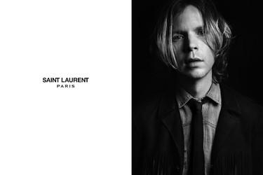 Beck pone rostro a lo nuevo de Saint Laurent en su campaña de primavera 2013