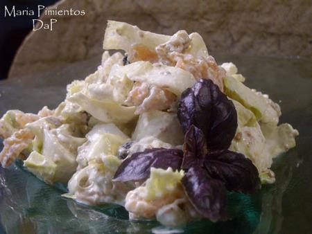 Ensalada de salmón con endivias y yogur griego. Receta