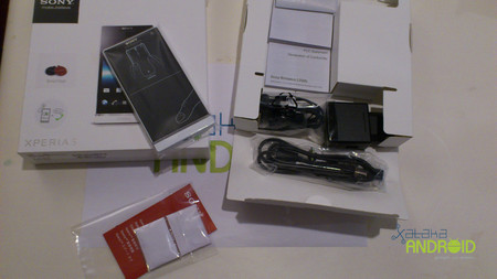 Unboxing Xperia S
