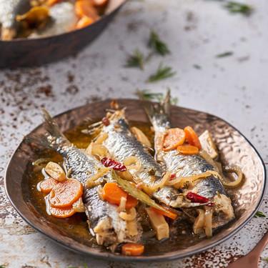 Sardinas al horno en escabeche: receta como la tradicional, pero sin que tu cocina huela a pescado