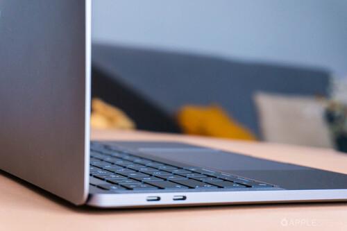Un MacBook de color negro mate con capa atrapa-luz sería posible gracias a esta patente