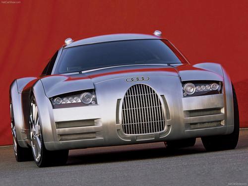 Audi y su muestra de poder en 16 cilindros al inicar el milenio, recordando a: Audi Rosemeyer