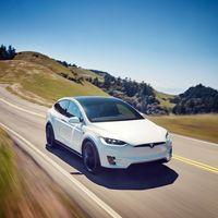 Elon Musk planea comprar todas las acciones de Tesla, y ya tiene los fondos para hacerlo