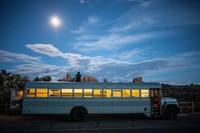 Casas poco convencionales: un viejo autobús escolar convertido en una vivienda