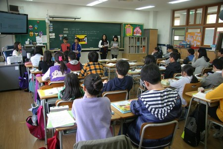 Japanese High School Classroom2