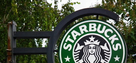 Starbucks le planta cara a Trump anunciando que contratará a 10.000 refugiados