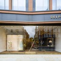 Delpozo cambia Miami por Londres, inaugura una espectacular tienda en la capital británica