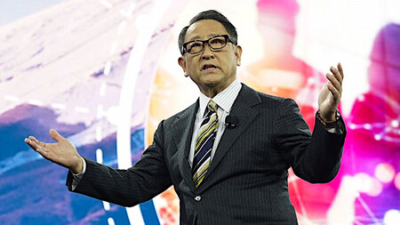 Toyota advierte a Apple de que desarrollar un coche eléctrico no es lo mismo que lanzar un smartphone