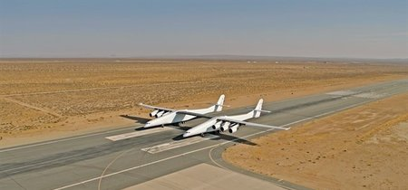 Contempla en movimiento el gigantesco avión Stratolaunch en este vídeo